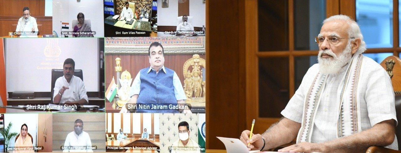 19 اگست، 2020 کو کابینہ کی بیٹھک میں وزیر اعظم نریندر مودی اوروزرا۔ (فوٹو: پی آئی بی/@PIB_India)
