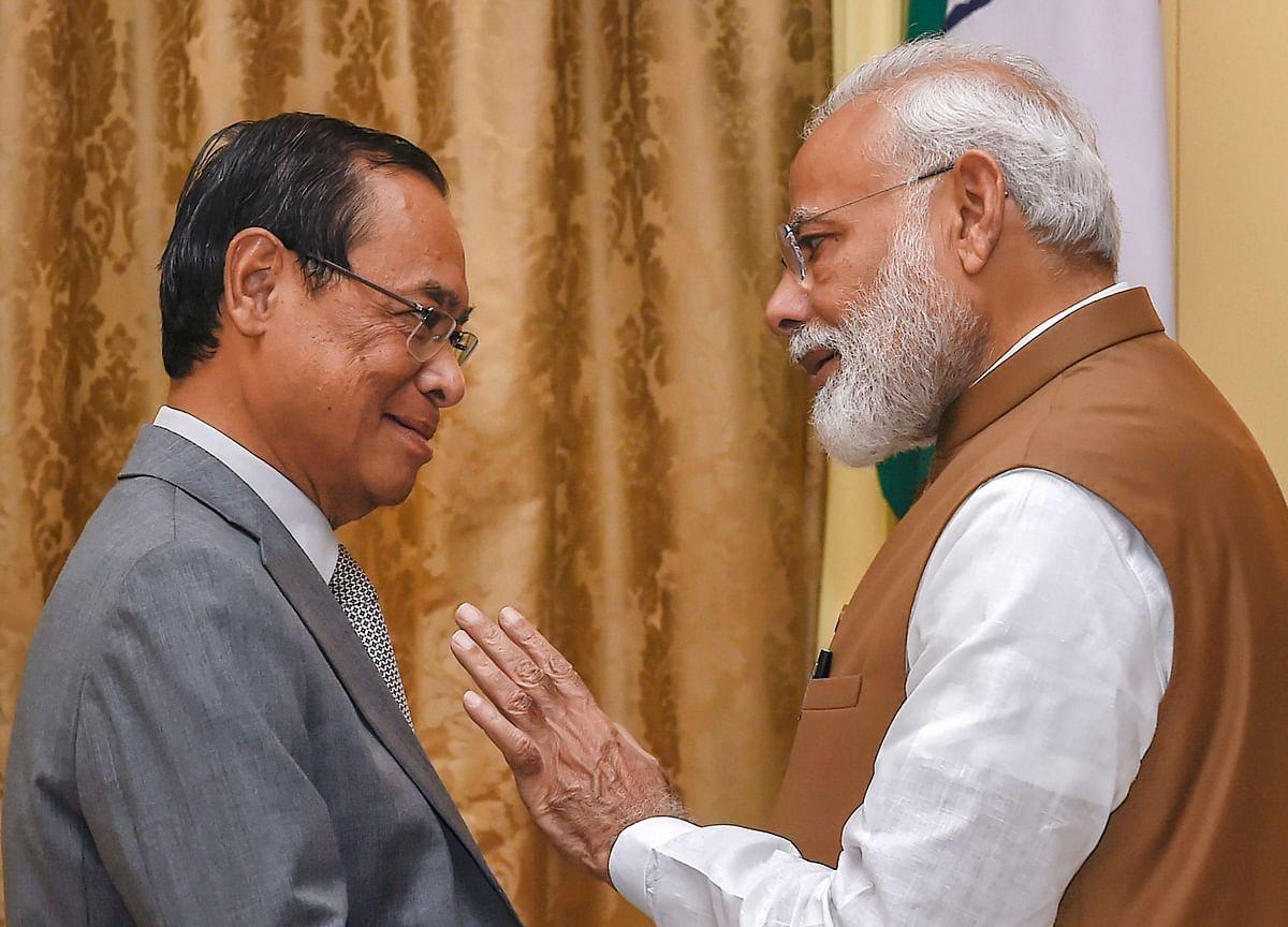 وزیر اعظم نریندر مودی کے ساتھ رنجن گگوئی(فائل فوٹو: پی ٹی آئی)