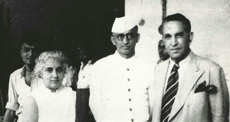 وجے لکشمی پنڈت، ایس اے بریلوی اور سپلا کے بانی کے حمید، فوٹو: بریلوی فیملی