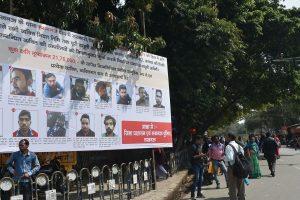 اتر پردیش کی راجدھانی لکھنؤ میں سی اے اےمخالف مظاہرہ کے ملزمین کے پوسٹر گزشتہ مارچ میں جگہ جگہ لگائے گئے تھے۔ (فوٹو: پی ٹی آئی)