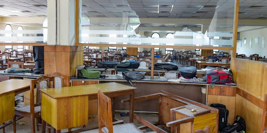 دسمبر 2019 میں جامعہ ملیہ اسلامیہ کی لائبریری میں کی گئی توڑ پھوڑ۔ (فائل فوٹو: پی ٹی آئی)