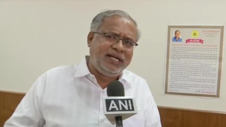 کرناٹک کے وزیر تعلیم ایس سریش کمار (فوٹو: اےاین آئی)