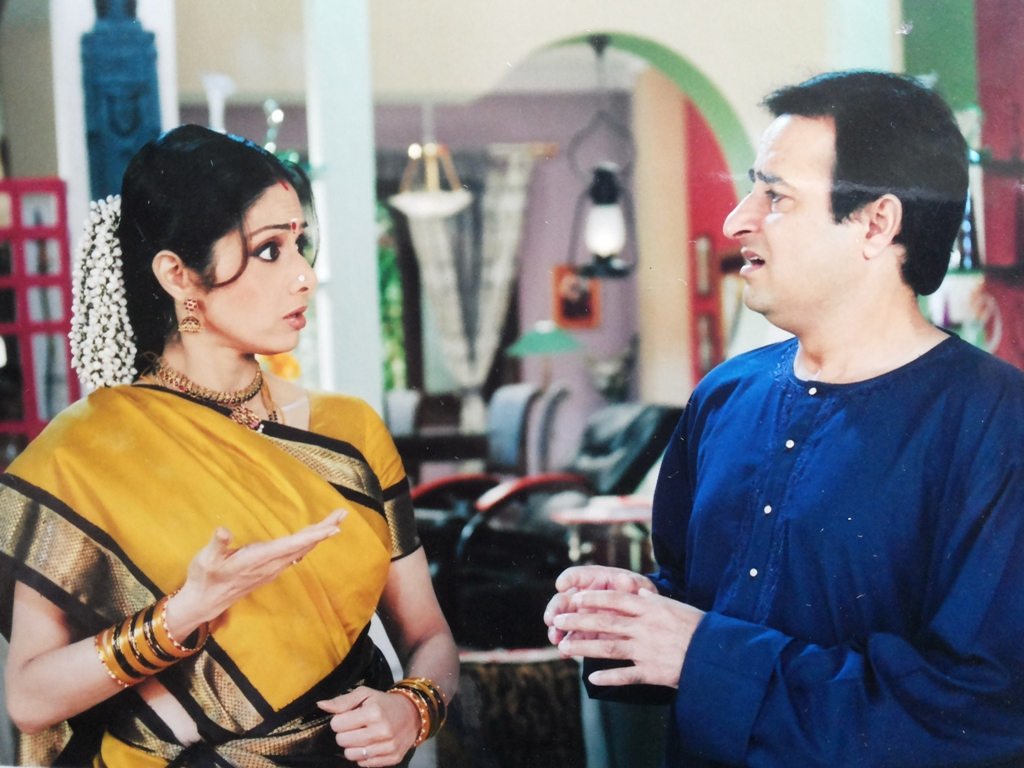 شری دیوی کے ساتھ ایک شو میں راجیش جیش۔