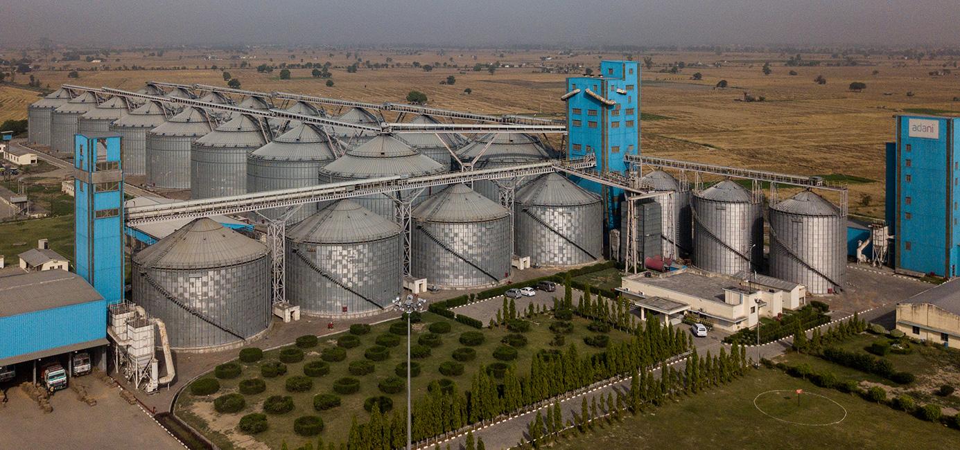 اڈانی گروپ کےبنائے گئے سائلو۔ (فوٹوبہ شکریہ: Adani Agri Logistics Limited)