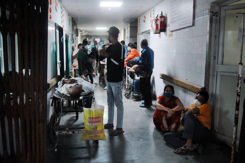 مہاماری کے دوسری لہر کے دوران کانپور کا ایک اسپتال۔ (فوٹو: پی ٹی آئی)