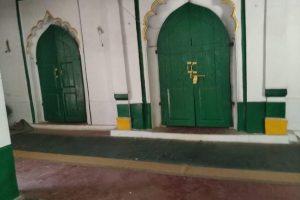 منہدم کیے جانے سے پہلے بارہ بنکی کی مسجد۔ (فوٹو: ا سپیشل ارینجمنٹ)