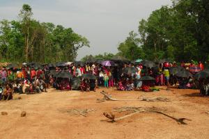 سلگیر میں مقامی افراد کا مظاہرہ ۔ (فوٹو:نندنی سندر)